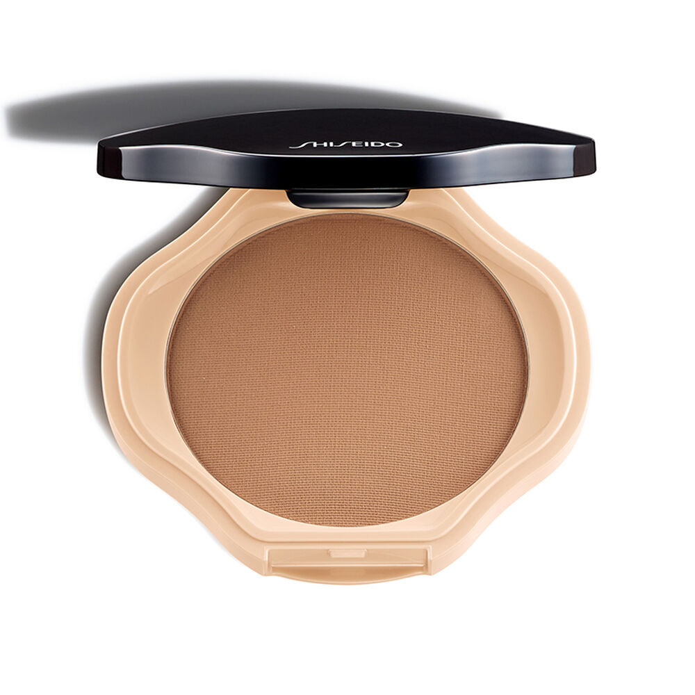 Sheer And Perfect Compact, B100