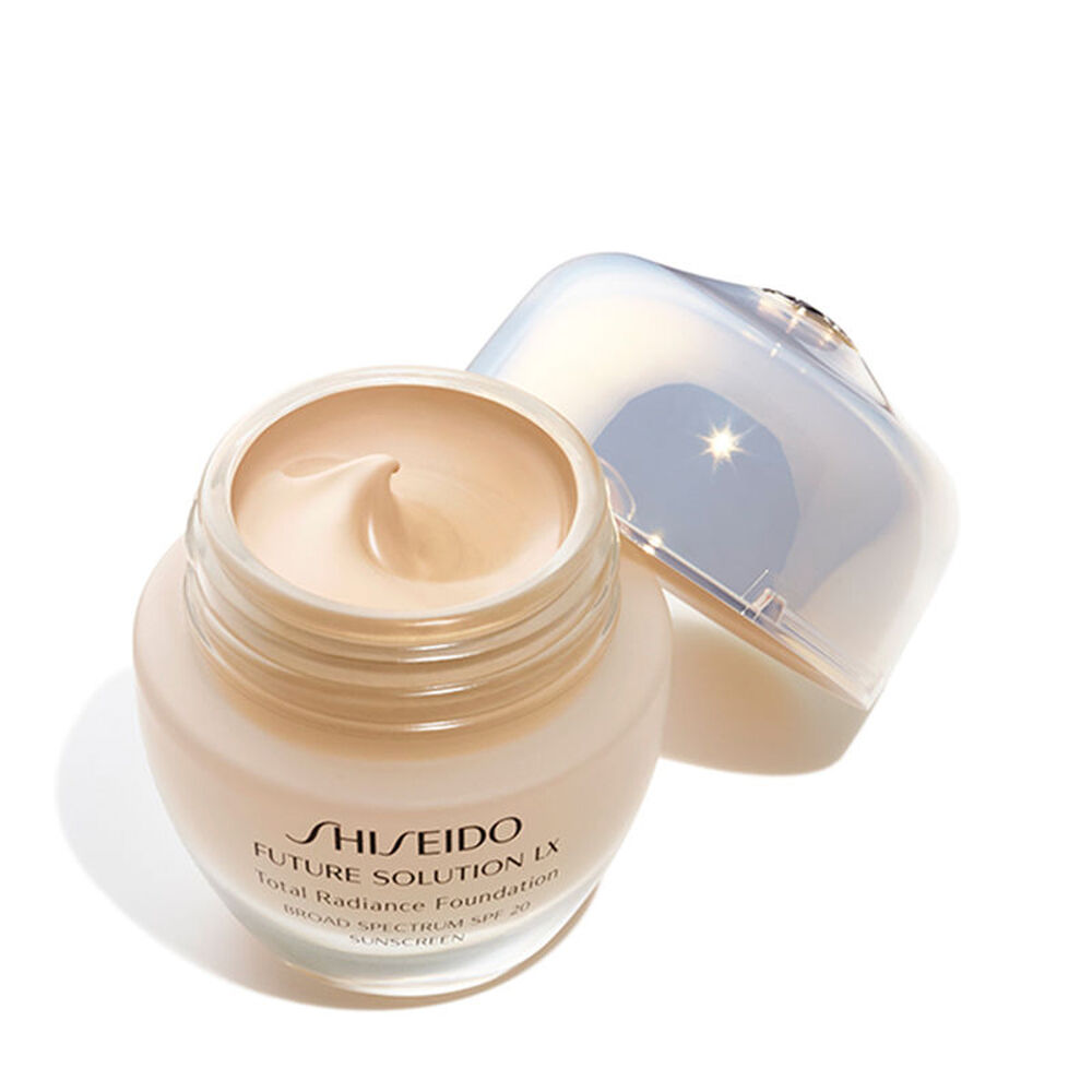 Total Radiance Foundation E, Golden3